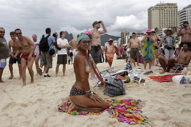 Γυμνόστηθη διαμαρτυρία στο Ρίο | Panathinaikos24.gr
