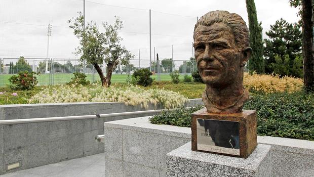 Φόρος τιμής στον Πούσκας | panathinaikos24.gr