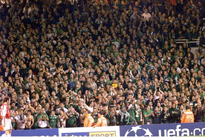 ΡΕΤΡΟ: Η Θύρα 13 στο Λονδίνο το 2001! (vid) | panathinaikos24.gr