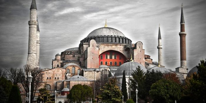 8 αληθινά περιστατικά της Βυζαντινής ιστορίας που κάνουν το Game of Thrones να μοιάζει με τα Στρουμφάκια | panathinaikos24.gr