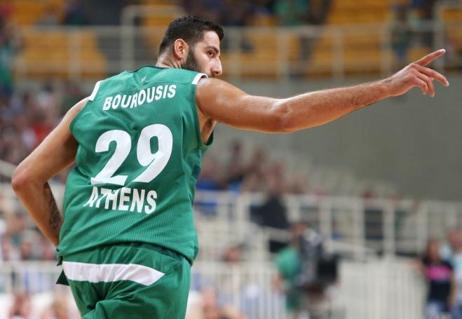 Δείτε με ποιον είναι παρέα στη Μύκονο ο Μπουρούσης! (Pic) | Panathinaikos24.gr