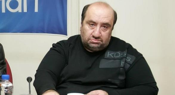 Ο Τσάκας απειλεί: «Θα αρχίσουν οι κλωτσιές» (pics) | Panathinaikos24.gr