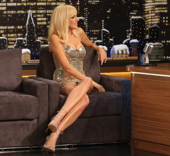 ΣΕΙΣΜΟΣ με την Σάσα Σταμάτη – Η πιο σέξι εμφάνισή της στην τηλεόραση! (ΦΩΤΟ)
