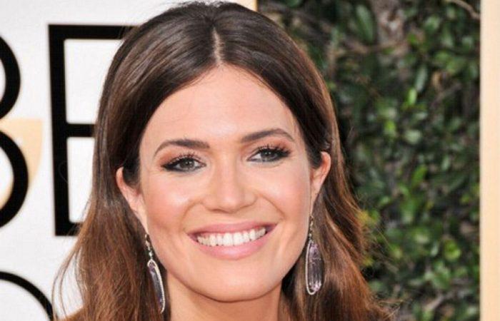 Γνωστή ηθοποιός εμφανίστηκε με διάφανο φόρεμα και χωρίς σουτιέν! Τα είδαμε ΟΛΑ | Panathinaikos24.gr