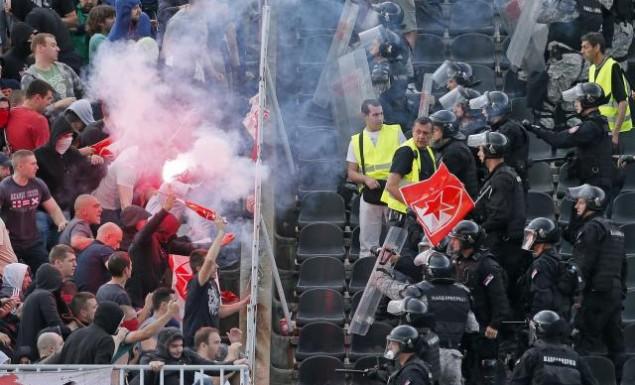 Σοβαρά επεισόδια με οπαδούς του Ερυθρού Αστέρα (vid, pics) | panathinaikos24.gr
