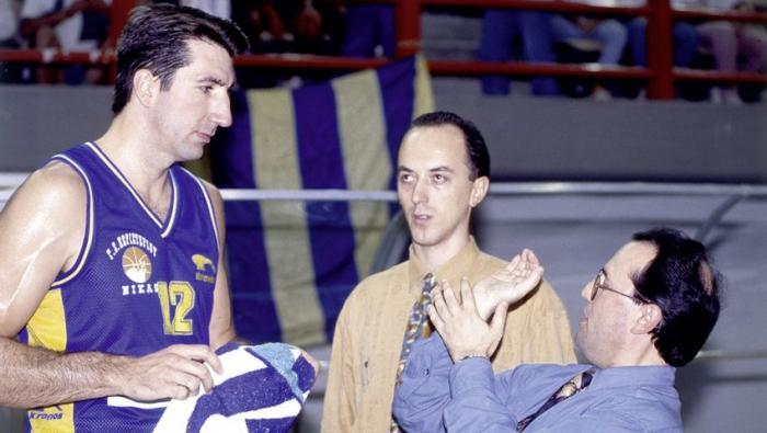 Κουίζ: Μπορείς από μια φωτογραφία να αναγνωρίσεις 16 cult μπασκετμπολίστες των 90's;   Panathinaikos24.gr