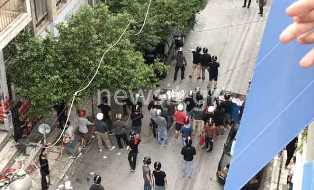 Άγρια επεισόδια με ξύλο έξω από το Χημείο! (pics & vid) | panathinaikos24.gr