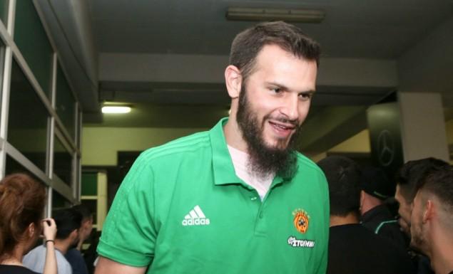Φώτσης: «Με είχε προσεγγίσει ο Ολυμπιακός, αλλά για εμένα προτεραιότητα είχε πάντα ο Παναθηναϊκός»   panathinaikos24.gr