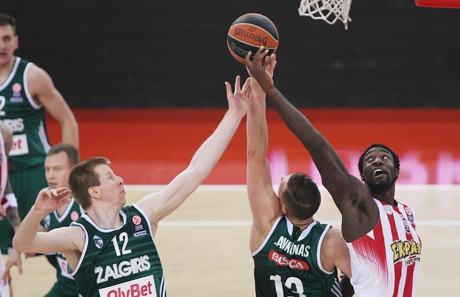 Μάχη Εφές-Ολυμπιακού-Θέλουν παίκτη του Σάρας!