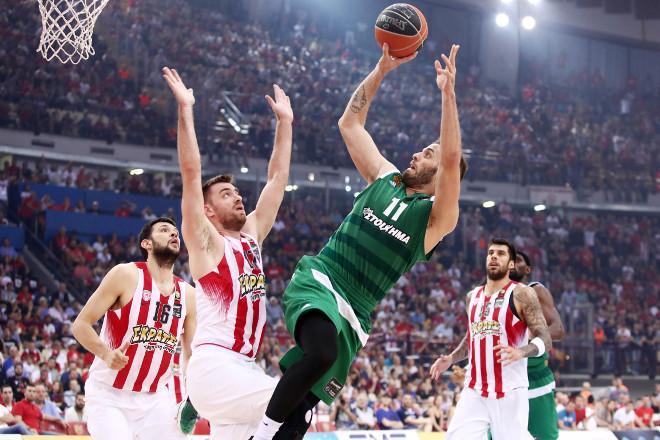 Έφυγε από τον Ολυμπιακό, οι οπαδοί του Παναθηναϊκού τον θέλουν στην ομάδα! (Pics)