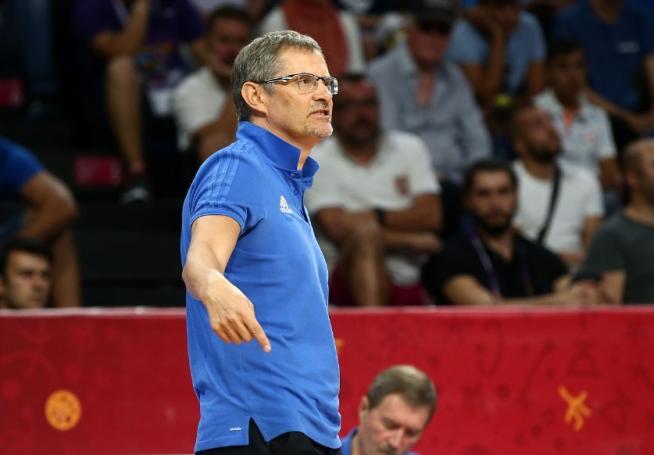 Φοβερή ατάκα Μπαζάρεβιτς: «Ευχαριστώ την Ελλάδα που έπαιξε με πέντε παίκτες» | panathinaikos24.gr