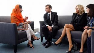 Μπριζίτ Μακρόν: Το σούπερ μίνι που φόρεσε και τα σχόλια (pics) | Panathinaikos24.gr
