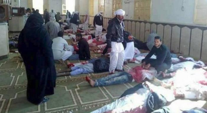 Αίγυπτος: Έκρηξη και επίθεση με όπλα σε τέμενος – Τουλάχιστον 180 νεκροί (pics & vid) | Panathinaikos24.gr