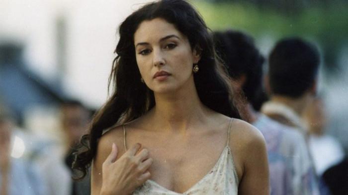 Θεά Μόνικα: η μέρα που η Μπελούτσι πήγε το ρόλο της ιερόδουλης σε άλλο… επίπεδο! (pics) | panathinaikos24.gr