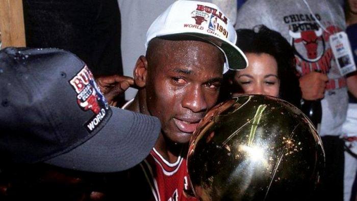 Η αποκαθήλωση: Ο άρρωστος εθισμός του Τζόρνταν που ανάγκασε το NBA να τον διώξει (Pics) | Panathinaikos24.gr