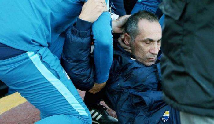 Πέταξαν ποτήρι με νερό στον Γιώργο Δώνη – Έπεσε ημιλιπόθυμος (vids) | panathinaikos24.gr