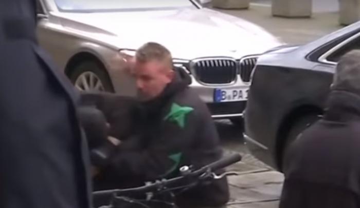 Συναγερμός στη Γερμανία: Απέτρεψαν επίθεση κατά της Μέρκελ – Βίντεο ντοκουμέντο | Panathinaikos24.gr