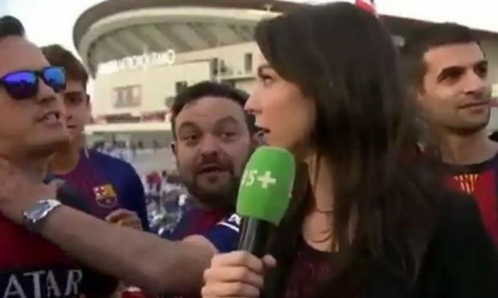 Οπαδός της Μπαρτσελόνα «χούφτωσε» Γαλλίδα δημοσιογράφο που εξοργίστηκε! (video)   panathinaikos24.gr