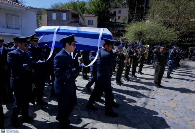 Η Ελλάδα αποχαιρετά τον Σμηναγό Γιώργο Μπαλταδώρο (pics&vid)   panathinaikos24.gr