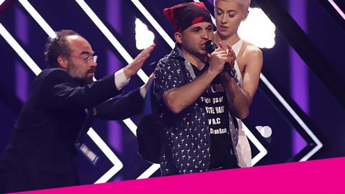 «Ντου» στη Eurovision: Εισβολέας όρμησε στη Βρετανή τραγουδίστρια (Vid)   panathinaikos24.gr