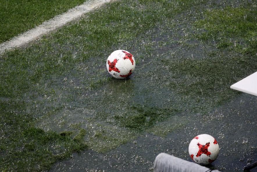 Στιγμές από τα… επτά λεπτά μπάλας και την πλημμύρα στη Λεωφόρο! (pics)