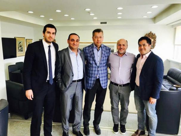 Το επιτελείο του Παϊρότζ και ο ρόλος του Σρίσουμριντ στις διαπραγματεύσεις | Panathinaikos24.gr
