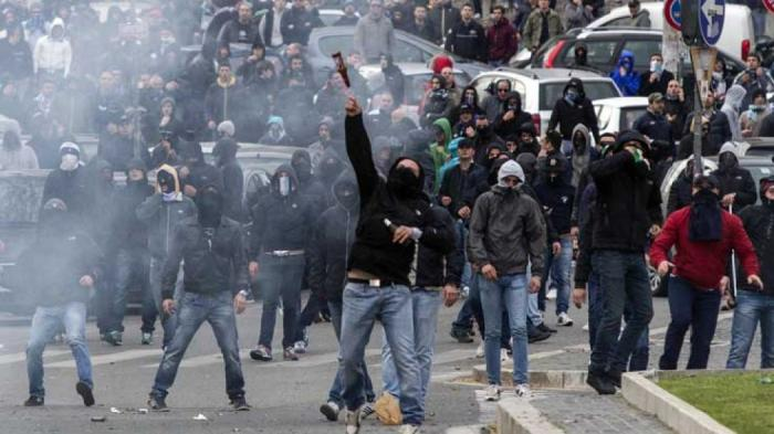 Χούλιγκαν της Ρόμα με σιδερολοστούς επιτέθηκαν σε φίλους της Λίβερπουλ | panathinaikos24.gr