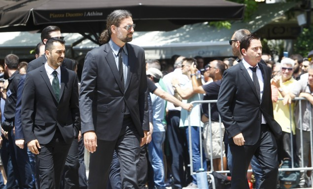 Σύσσωμη η ομάδα του Παναθηναϊκού στη Μητρόπολη για τον Παύλο Γιαννακόπουλο | Panathinaikos24.gr
