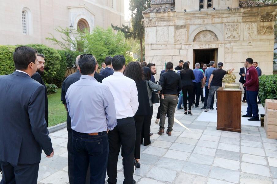 Φωτογραφίες από το λαϊκό προσκύνημα στον Παύλο Γιαννακόπουλο (pics)