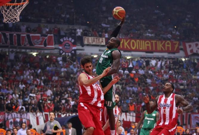 Οταν Λάσμε και Γκιστ είχαν… σπάσει τις μπασκέτες στο ΣΕΦ (vid) | panathinaikos24.gr