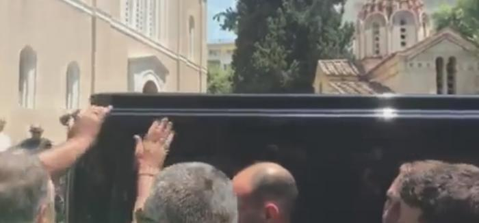 Αθάνατος: Η στιγμή της μεταφοράς της σορού του Παύλου Γιαννακόπουλου (vids) | panathinaikos24.gr