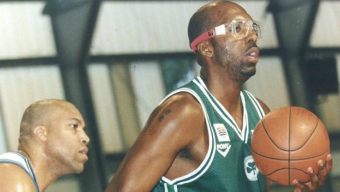 Πάνω από 13/16 δεν πας: Μπορείς να αναγνωρίσεις 16 θρυλικές μορφές της Α1 στο μπάσκετ; | panathinaikos24.gr