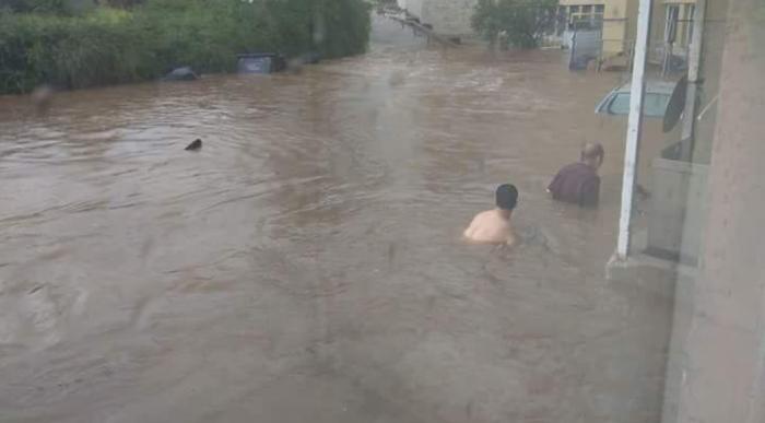 Χάος στην Αττική – Άνθρωποι «κολυμπούν» σε λασπόνερα   panathinaikos24.gr