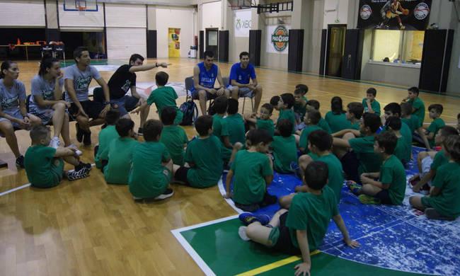 Ο Λούντζης και ο Παπαδάκης στο Summer Camp της PAO BC Academy (Pic)   panathinaikos24.gr