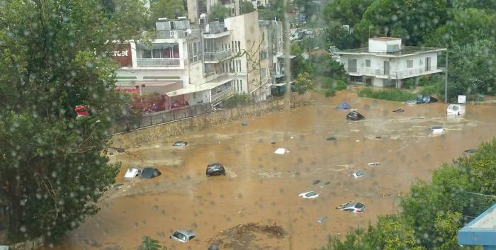 Ισχυρή καταιγίδα έπνιξε τα βόρεια προάστια – Χάος και πλημμυρισμένοι δρόμοι στο Μαρούσι! | panathinaikos24.gr