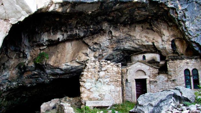 Το πιο μακάβριο εύρημα: Το μεγάλο «μυστικό» της σπηλιάς του Νταβέλη (Pics)   panathinaikos24.gr