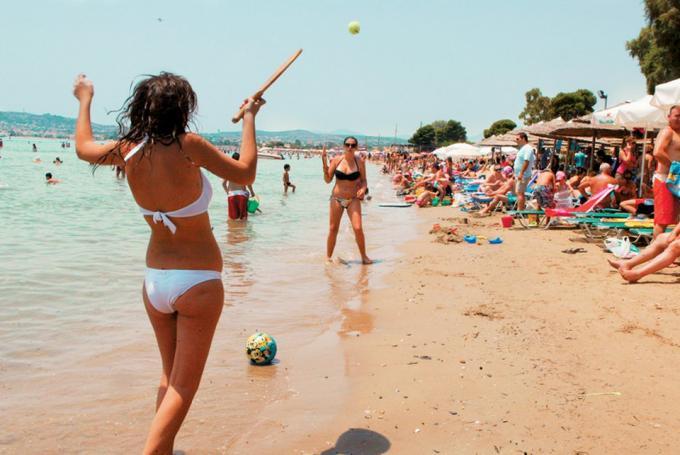 Σκληρές ποινές: Τι προβλέπει ο νόμος για τις ρακέτες στην παραλία! (pics) | panathinaikos24.gr