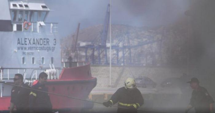 Ελευθέριος Βενιζέλος: Ακόμα καπνίζει το πλοίο – Έτσι ξέσπασε η φωτιά (pics) | panathinaikos24.gr