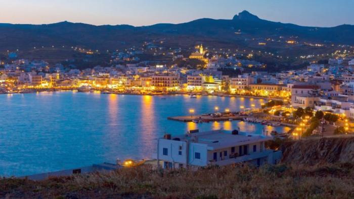 Ο ένας πάνω στον άλλον: Τα 3 νησιά που έχουν «βουλιάξει» από Έλληνες φέτος   panathinaikos24.gr