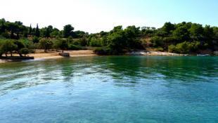 Το πιο ιδανικό: Το ελληνικό νησί που κάθε Σεπτέμβρη βουλιάζει από κόσμο (Pics)