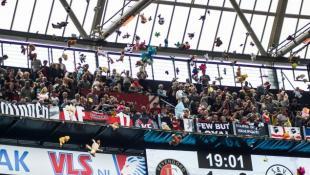 Υπέροχη ενέργεια από οπαδούς στην Ολλανδία! (vid)