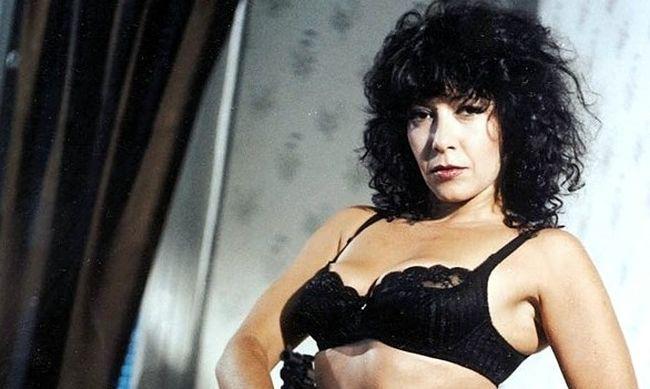 Βίνη Ασίκη: Που βρίσκεται το απόλυτο θηλυκό των 90's (pics) | panathinaikos24.gr