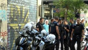 Ομόνοια: Συνελήφθη ο ιδιοκτήτης του κοσμηματοπωλείου μετά το θάνατο του ληστή (vid)