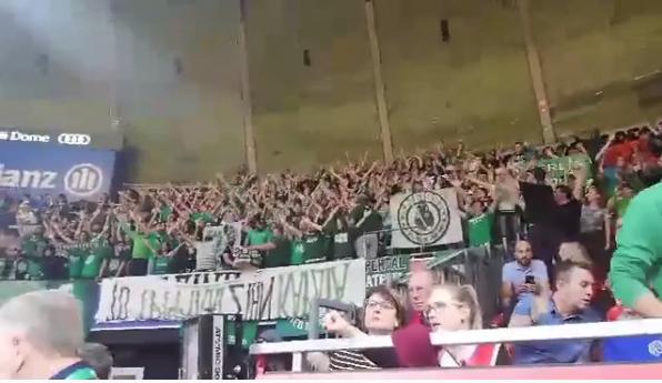 Πρασίνισε το γήπεδο της Μπάγερν! (vid) | panathinaikos24.gr