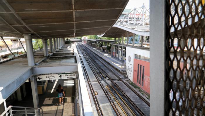 Γνωστός τραγουδιστής αυτοκτόνησε πέφτοντας στις ράγες του τρένου | panathinaikos24.gr