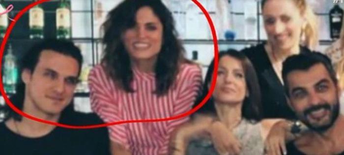 Αποκαλύφθηκε: ο νέος σύντροφος της Μαίρης Συνατσάκη είναι πρώην πασίγνωστης Ελληνίδας τραγουδίστριας! (ΒΙΝΤΕΟ)   panathinaikos24.gr
