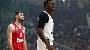 Αντετοκούνμπο: «Να γίνουμε καλύτερoι και στα εκτός έδρας ματς»