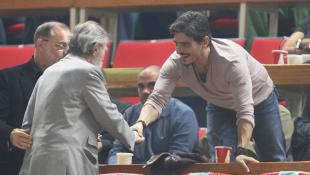 Χειραψία Γιαννακόπουλου – Βαρδινογιάννη στο ΟΑΚΑ
