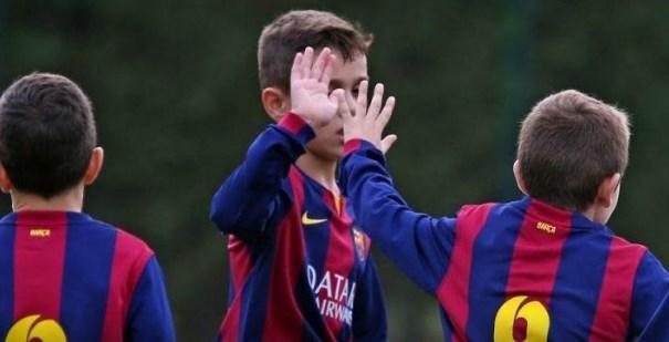 Τύφλα να 'χει ο Μέσι: Tο ανεπανάληπτο φάουλ του 10χρονου «Λιονέλ» (vid) | panathinaikos24.gr