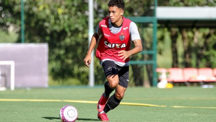 To 10αρι του μέλλοντος: Ο μικρός «μάγος» από τη Βραζιλία που θέλει όλη η Πρέμιερ Λιγκ | panathinaikos24.gr